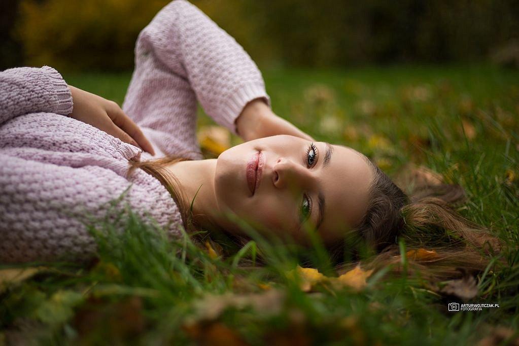 Osobista-sesja-jesienna-z-Agnieszka-Szarafin-arturwojtczakpl-11.jpg