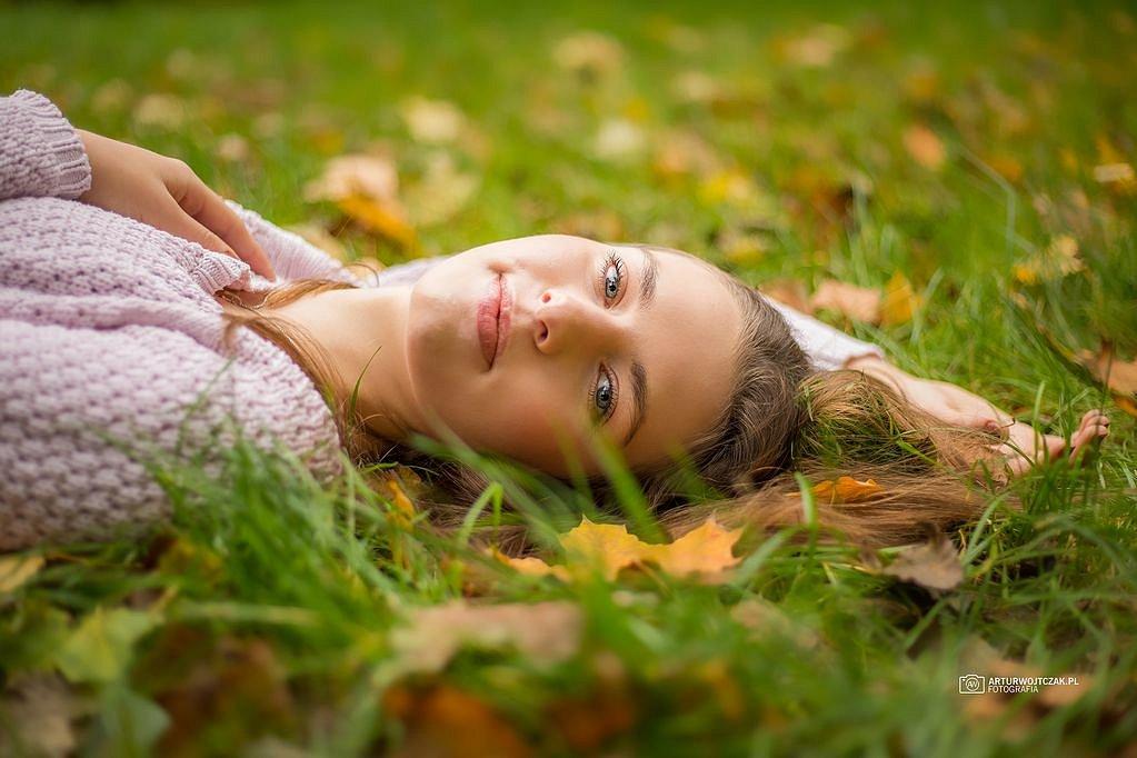 Osobista-sesja-jesienna-z-Agnieszka-Szarafin-arturwojtczakpl-12.jpg